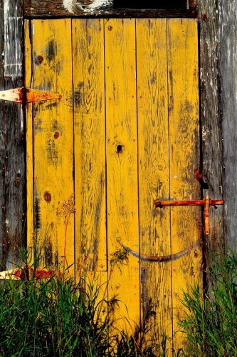 amarelo_yellow-door-by-phil-dionne