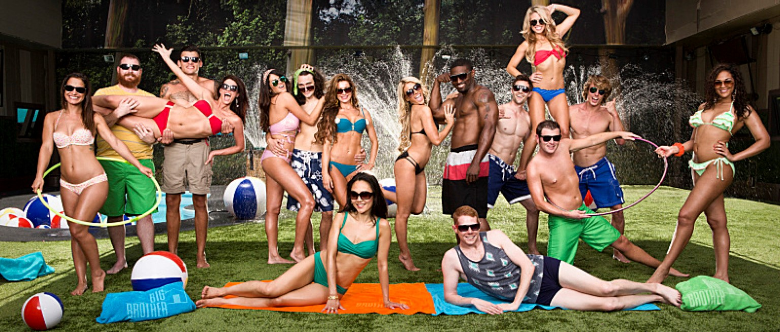 Big Brother – The Big Brother houseguests pose in the backyard. New season premieres Wednesday, June 26 (8:00-9:00PM, ET/PT) on the CBS Television Network. Photo: Cliff Lipson/CBS ©2013 CBS Broadcasting Inc. All Rights Reserved.